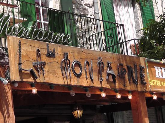 L'enseigne du restaurant la montagne