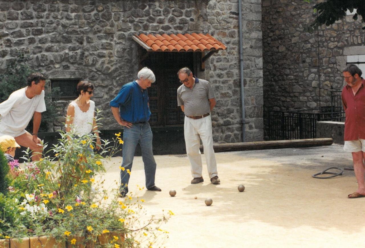Jean ferrat antraigues et 1997 for Antraigues sur volane maison de jean ferrat