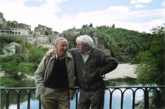 Jean FERRAT et Guy THOMAS à BALAZUC...très beau village sur la rivière Ardèche