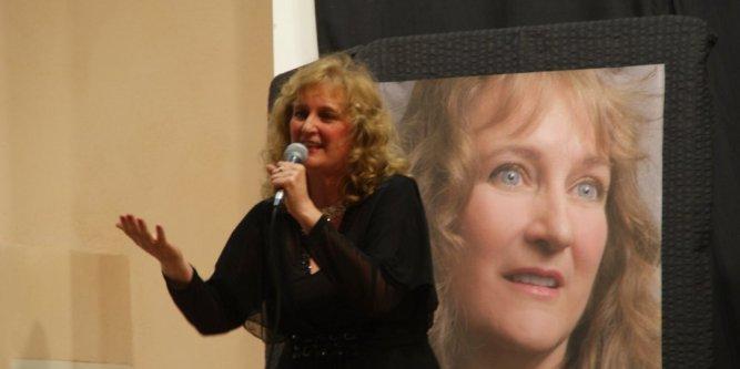 Laurette broussin etait tres emue de chanter dans sa 713400 667x333